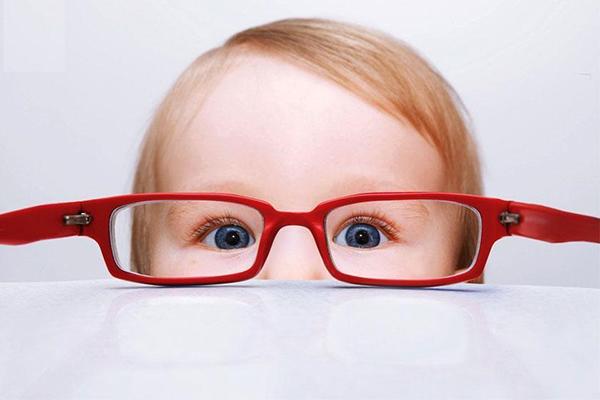 نزدیکبینی در کودکان - دکتر افتخاری