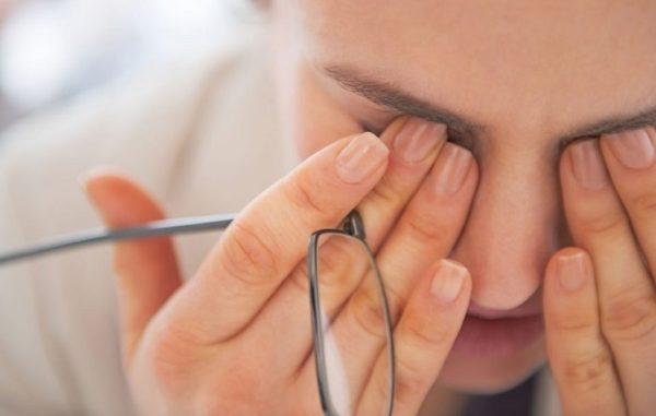التهاب چشم یکی از نشانههای تهاجم کرونا است